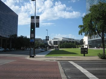 Pedestrian Amenities near Omni Center